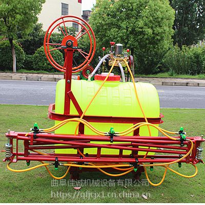 供应佳诚新款后驱动拖拉机喷雾机八米直杆喷雾机,12个喷头(可随意开关)