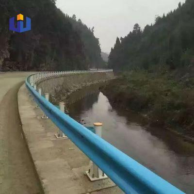 漳州漳浦县国道波形护栏板 二波三波护栏板厂家Q235