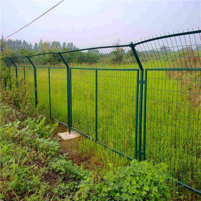公路围栏网 常用的护栏网 围墙栅栏厂