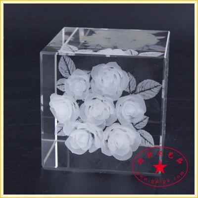 花瓶水晶礼品摆饰,玫瑰花内雕纪念品,爱心花朵水晶内雕摆件定做,可带灯光灯座