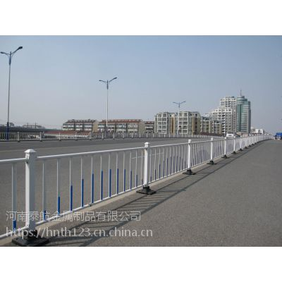 郑州南三环道路护栏 市政护栏厂家 接收定制产品 欢迎砸单