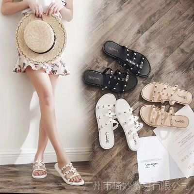 2018女凉鞋新款日常平底鞋女士铆钉时尚外穿凉拖鞋防滑底