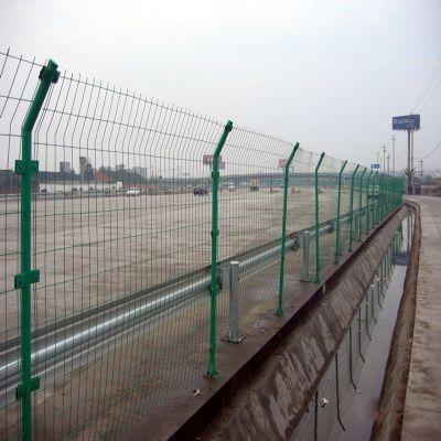1.8*3米双边丝护栏网 公路护栏网价格 现货 浸塑围栏网