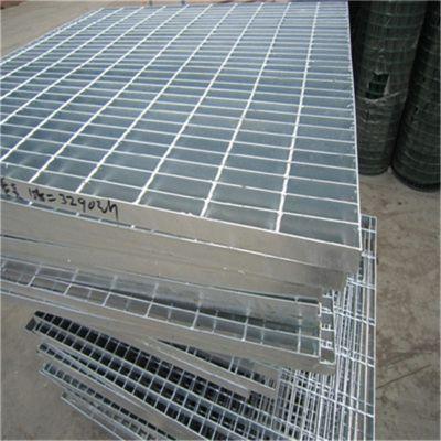热浸锌钢格栅板 造纸厂踏步板规格 复合防滑钢格板