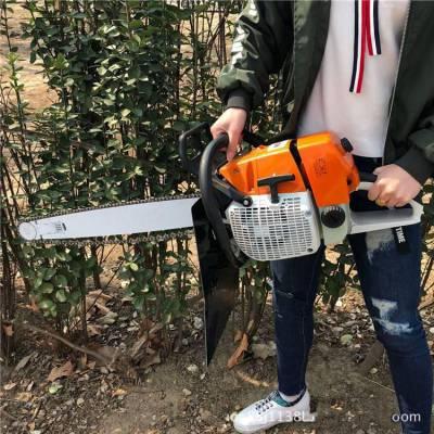 山坡地上用起树机 润丰 轻易挖出成颗树木挖树机