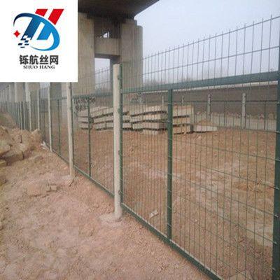 铁路护栏网-铄航铁路隔离栅-围栏网