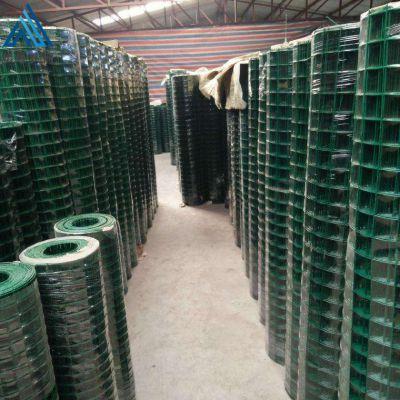 绿色铁丝网围墙,隔离防护养鸡网