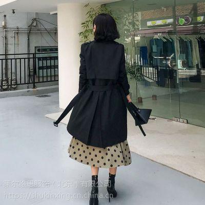 艺素国际杭州品牌尾货批发走份折扣女装 北京批发尾货市场在哪藏蓝色T恤