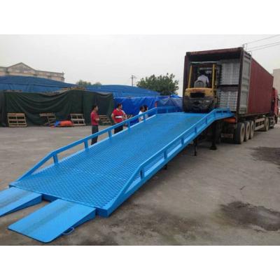 装卸平台移动登车桥6-12吨现货华工机械全国出售