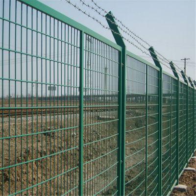 高速公路护栏网 钢丝网价格 安全防护网