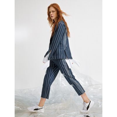 在广州批发奕色女装哪家的品牌折扣货源是一手的