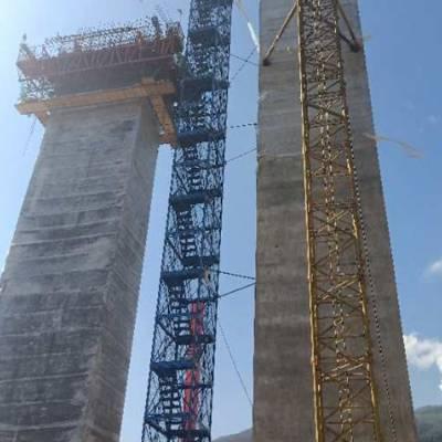 安全爬梯 建筑安全爬梯 高桥墩施工爬梯 河北通达优质商家