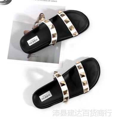 铆钉拖鞋女夏时尚外穿真皮平底凉拖鞋一字拖沙滩鞋外出一字型百搭