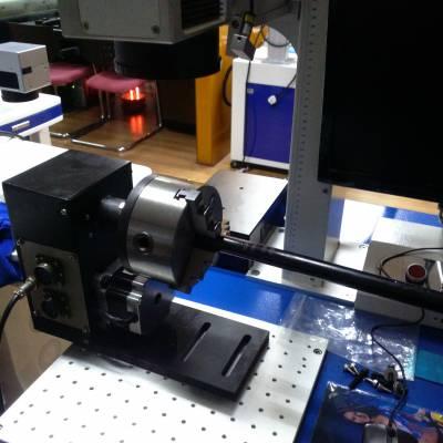 成都/绵阳360度旋转激光打标机,绵阳流水线飞行标刻专业自动化激光打码机,激光刻字机
