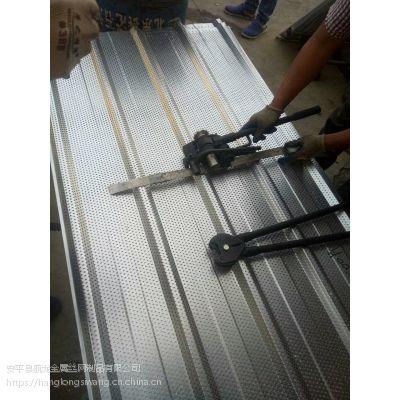 上海铝板网装饰孔板 消音百叶冲孔网声屏障 实体厂家供应