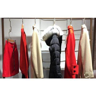 深圳璞秀品牌女装折扣货源尾货批发精品库存直销多种款式多种风格