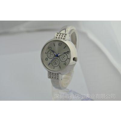 ***新时尚女款休闲手表 镶钻个性手镯形手表 精美银色高档石英手表