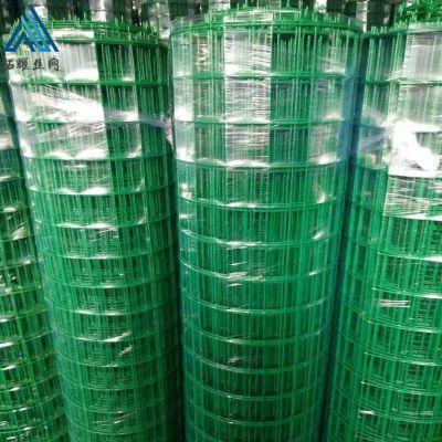 绿色带草皮的网 围兔子的网