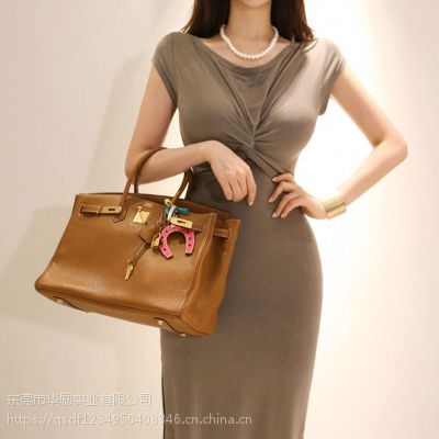 DNCY杭州服装工厂尾货批发城 品牌折扣女装哪个品牌好尾货银色针织衫