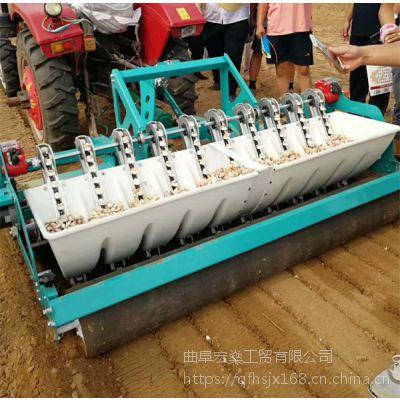 小四轮车带大蒜播种机 行距可调 种蒜机操作视频