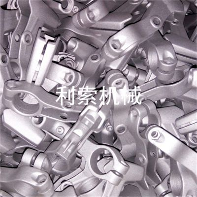 小件铝产品批量处理履带式喷砂机