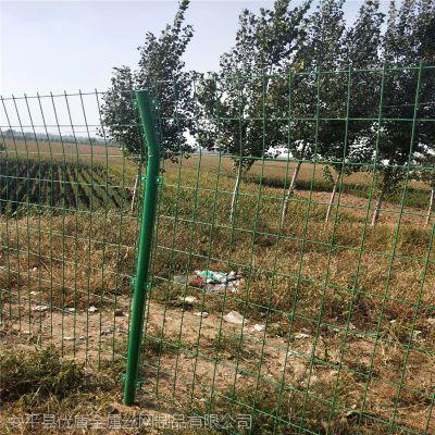钢丝网护栏厂家哪家好 邯郸河道围栏网 垃圾场围网定制