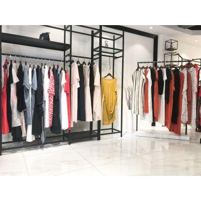 精品女装折扣店玛塞莉连衣裙多种款式多种面料广州白马服装批发市场