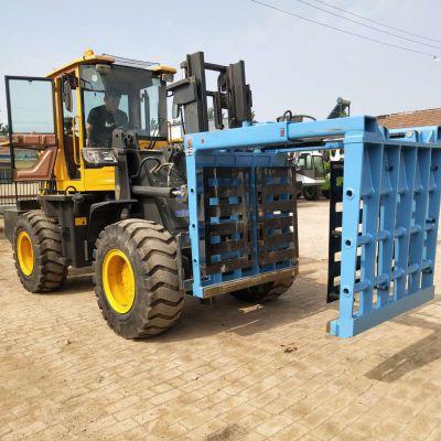 广西四驱叉车带钢管夹提升6米的叉车三级门架叉车厂家中首重工
