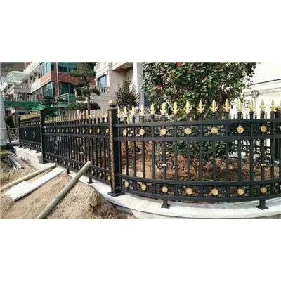 荣顺护栏专业生产商(图)-热镀锌栅栏价格-郑州栅栏