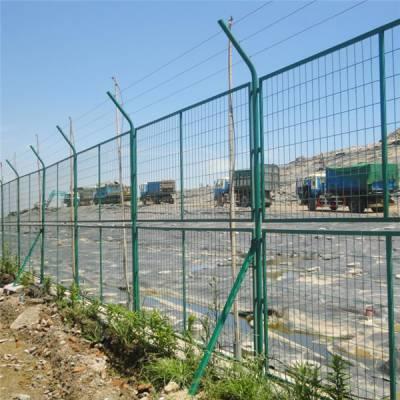 惠州场地浸塑网厂家 揭阳马路隔离网批发 广州山地护栏网