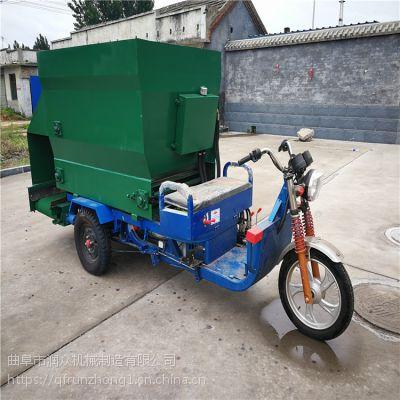 购买省心养殖设备撒料车 饲料草料专用运输车 行驶自如撒料车