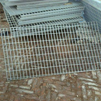 锯齿型钢格板 格栅板厚度 楼梯踏步钢格板厂