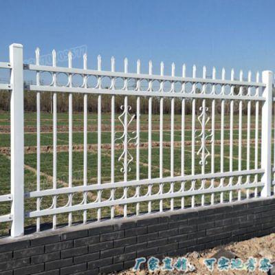 定制锌钢小区外墙护栏 从化公园草坪围栏 方管栏杆 新型钢栅栏